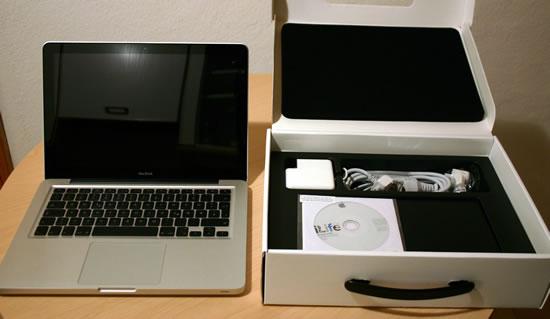 MacBook und seine ehemalige Verpackung