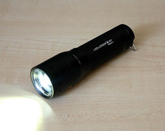 LED LENSER M7 eingeschaltet