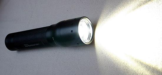 LED LENSER M7R LED-Taschenlampe
