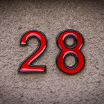 Hausnummer 28 - rot