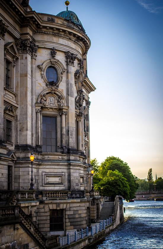 Berliner Dom und Spree