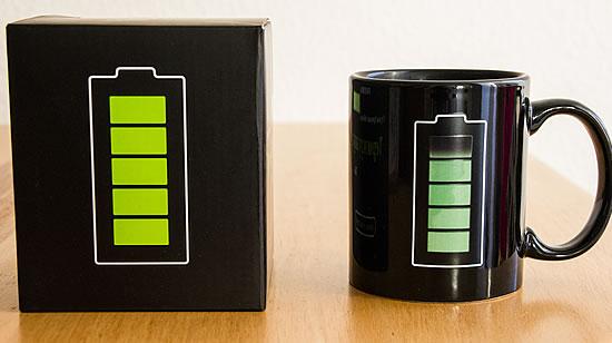Verpackung und Thermo-Tasse mit Füllstandanzeige