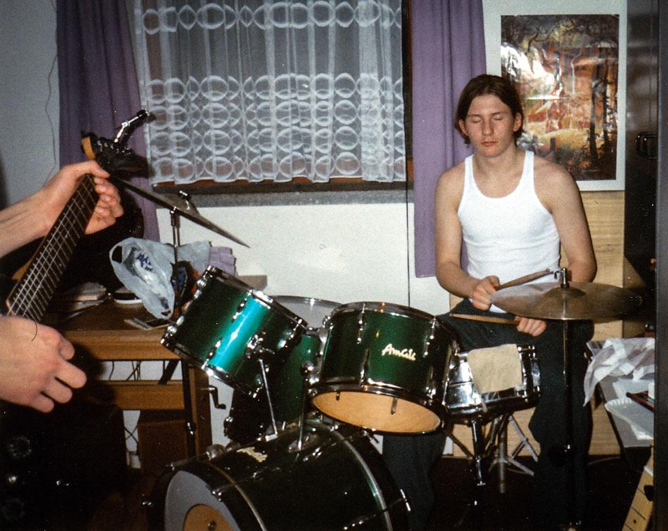 Gabriel am Schlagzeug 1994