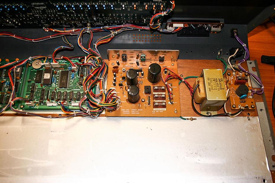 Roland Juno-106 Elektronik