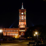 Rotes Rathaus in Berlin bei Nacht